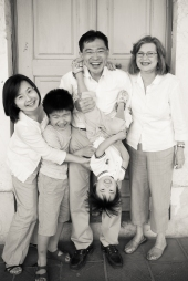 family-photographer-doha-12
