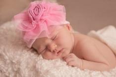 Lindsaykirkcaldy-newbornphotographer-Doha-31