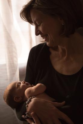 Lindsaykirkcaldy-newbornphotographer-Doha-45